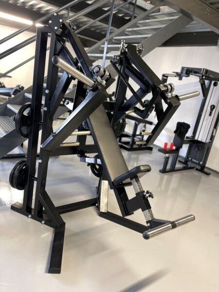 Sitting-Press-Machine-Chest-Shoulders