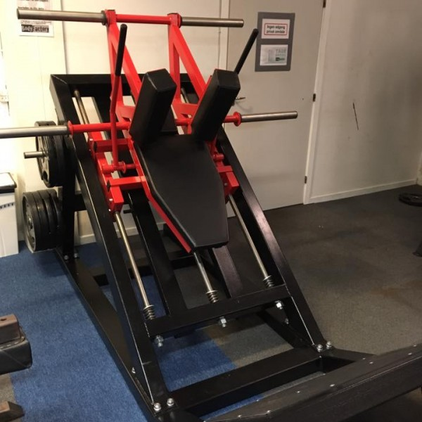 hack squats machine